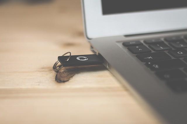 10 herramientas para hacer USB arrancables